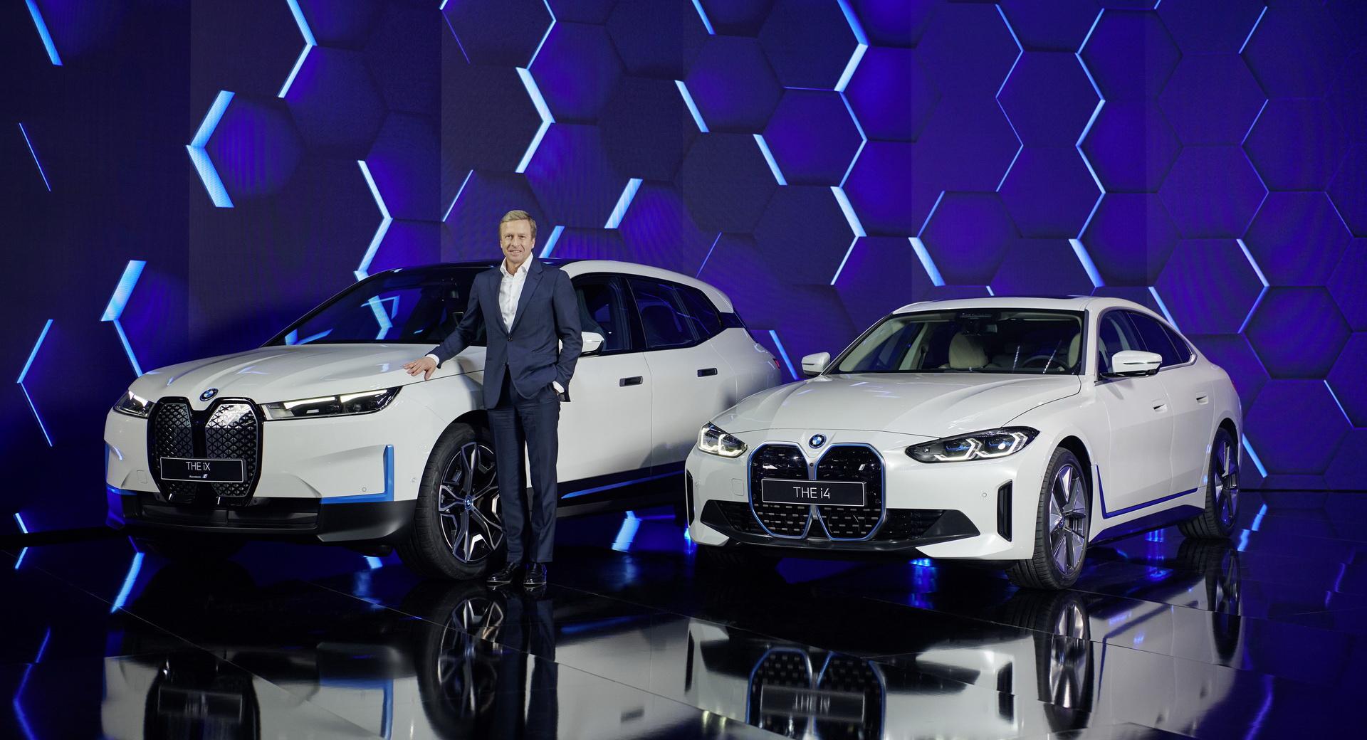 BMW iX, i4
